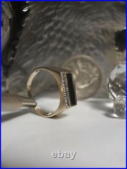 Genuine 375 Yellow Gold Mens Rectangular Faced Black Onyx & Diamond Ring
